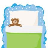 孩子供住宿与一个喜爱的玩具玩具熊 免版税库存图片