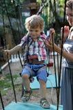 孩子克服障碍 图库摄影