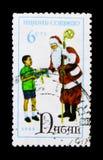 孩子和圣诞老人,圣诞节1968年serie,大约1968年 库存图片