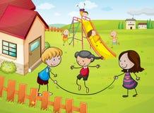 孩子和房子 免版税库存图片