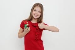孩子和matrioshka 图库摄影