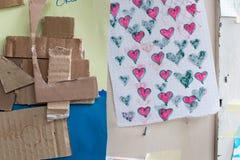 孩子图画纸和纸板的 五颜六色的图画col 免版税库存照片