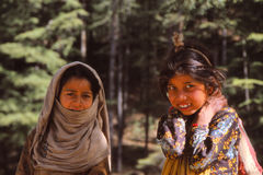 孩子在乡村生活中在西藏 免版税图库摄影