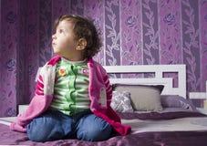 孩子在卧室 库存图片