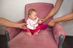 孩子在压力下 儿童的养育方法  库存照片