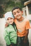 孩子在斯卡都,巴基斯坦南部的一个村庄  免版税库存照片