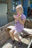 孩子在村庄 图库摄影
