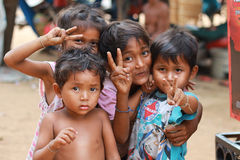 孩子在村庄 免版税库存图片