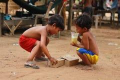 孩子在村庄 库存照片