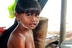 孩子在村庄 免版税库存照片