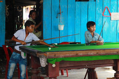 孩子在村庄 免版税图库摄影