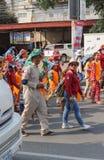 孩子在西哈努克年鉴狂欢节执行 免版税库存图片
