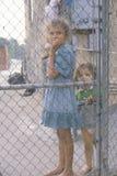 孩子在洛杉矶少数民族居住区,加州 免版税库存图片