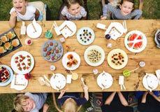 孩子庆祝党幸福概念 免版税库存照片