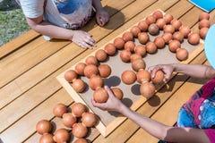 孩子打一场传统土耳其木难题比赛 图库摄影