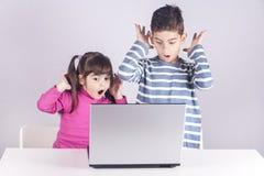 孩子概念的互联网安全 免版税库存照片