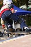 孩子滑板 免版税库存图片