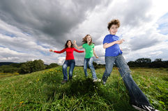 孩子照顾运行中 免版税图库摄影