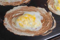 孩子爱的蛋薄煎饼 库存照片