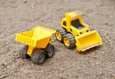 孩子玩具拖拉机 免版税库存图片