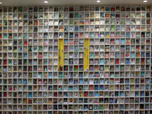 孩子的书架 免版税图库摄影