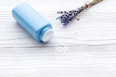 孩子的低变应原的浴化妆用品用淡紫色 E 库存照片