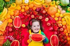 孩子的健康水果和蔬菜营养 免版税图库摄影
