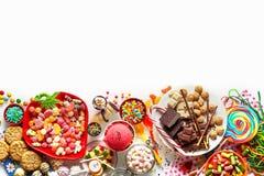 孩子的大选择集会食物和甜点 免版税库存照片