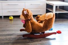 孩子的摇椅 免版税图库摄影