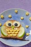 孩子的猫头鹰三明治 免版税图库摄影