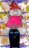孩子的玩具 兔子准备好一次新的旅途 库存图片