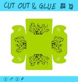 孩子的被删去的和胶浆教育纸比赛 使用剪刀和胶浆创造小事的,琐事,小装饰品箱子 皇族释放例证