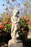 孩子的雕象 免版税库存图片