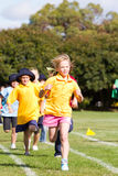 孩子种族体育运动 免版税图库摄影