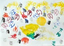孩子艺术的叶子油漆打印 库存照片