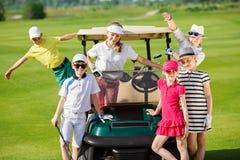 孩子高尔夫球竞争 免版税库存照片