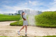 孩子高尔夫球竞争 免版税库存图片