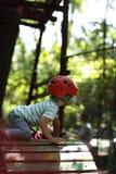 孩子登山人训练 库存图片