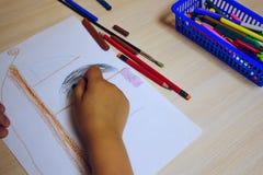 孩子画海盗船 免版税库存照片