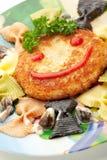 孩子Food.Fun蝴蝶形状的薄煎饼用桃子 图库摄影