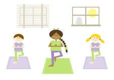 孩子vi瑜伽 免版税库存图片