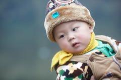 婴孩愉快的雪 免版税库存照片