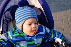 婴孩愉快的雪 免版税库存图片