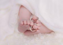 婴孩新出生的脚趾 免版税图库摄影