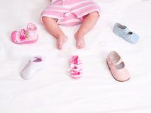 婴孩红色鞋子 库存照片