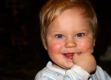 婴孩美好微笑 免版税库存图片