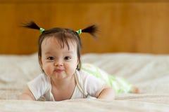 婴孩肚子时间 免版税库存照片