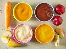 婴孩背景食物通心面原始的白色 免版税库存照片