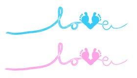 婴孩脚打印与心脏婴儿送礼会贺卡 免版税库存照片