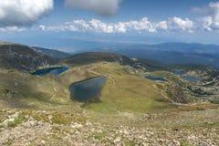 孪生、三叶草、鱼和更低的湖,里拉山脉山,七个Rila湖,保加利亚的夏天视图 免版税库存照片